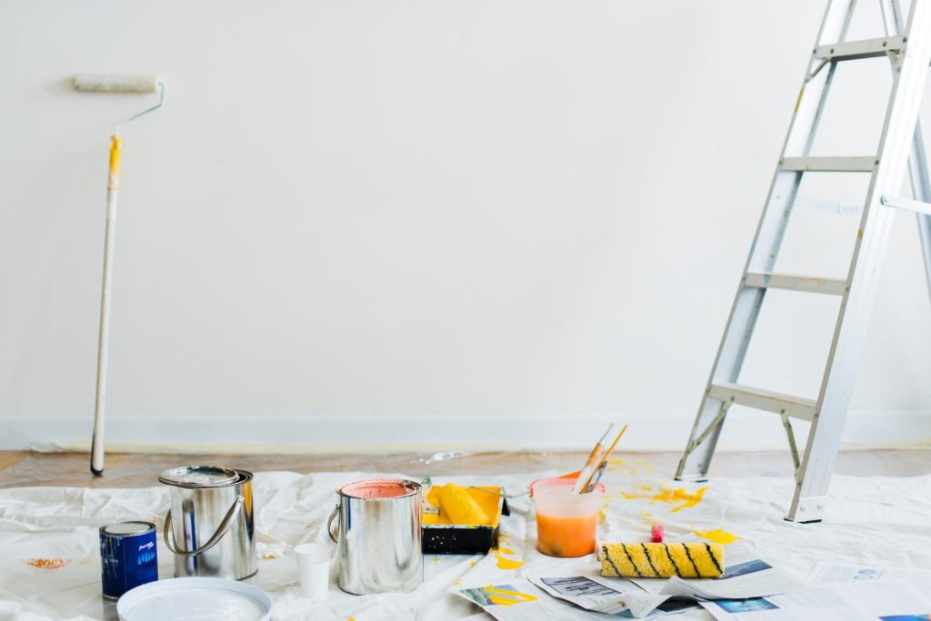 Paint Like A Pro How To Paint A Wall In Out Property Maintenance